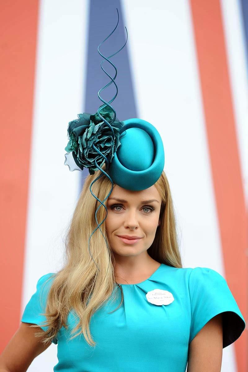 Tiratela Di Meno! - Il Fashion Blog che non è snob -  Hat race ... 46480f2ebb69