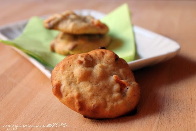 banana and apricot cookies