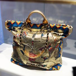 Chanel Chanel Rue Cambon Maxi shopping tote