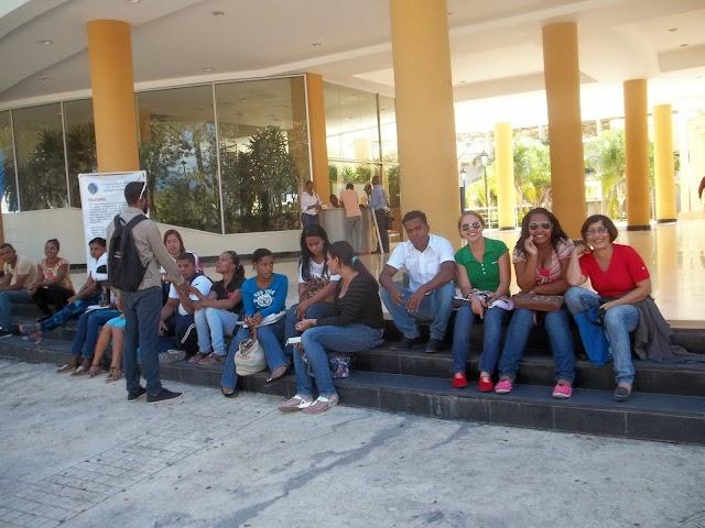 Estudiantes del Centro UASD San Juan denuncian no reciben docencia, el maestro no va