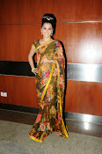 taapsee glam pics in saree-thumbnail-16