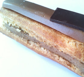 Where to find the best coffee eclair in Paris ? Sucrécacao