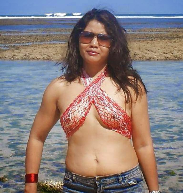 indian topless nude beach