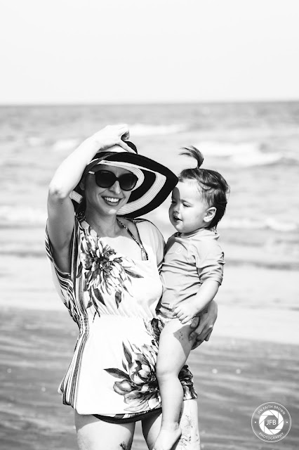 beach photo session, mom and me photo session, galveston texas, jen faith brown photography, flower mound photographer