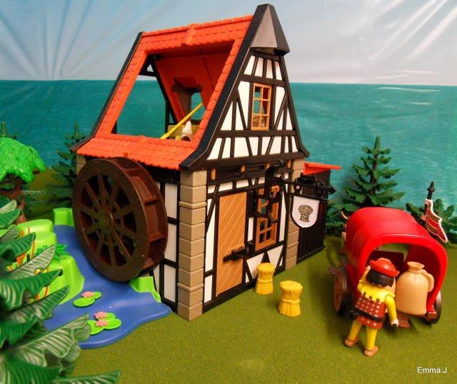 July 2012 emma j 39 s playmobil for Table playmobil
