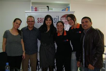 FAMILIA SARA BRASIL FM NA TARDE DE AUTOGRAFO EM CTBA-PR
