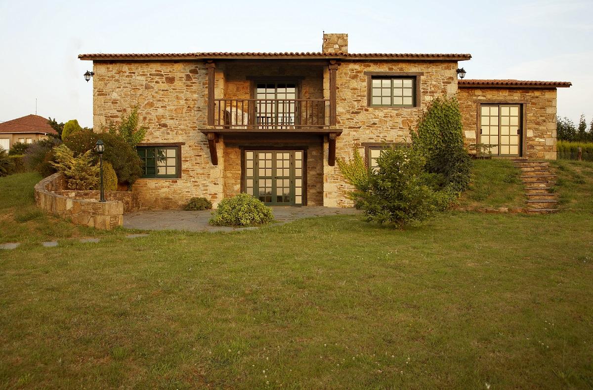 Construcciones r sticas gallegas casa en bergondo for Construcciones rusticas