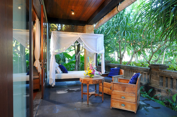 Jasri Beach Villas, The Lush Jungle Of East Bali - Amazing Home ...