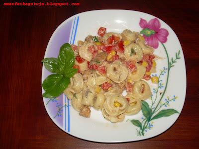 http://smerfetkagotuje.blogspot.com/2013/07/saatka-z-tortellini.html