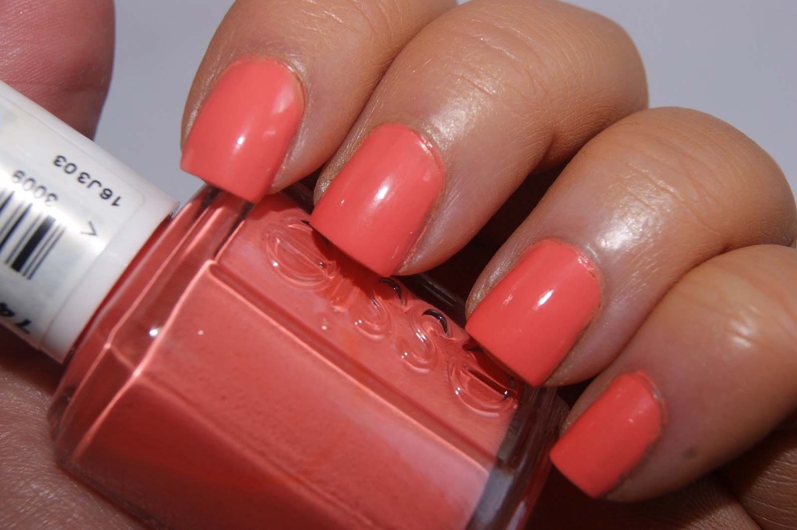 Essie Tart Deco Nail Lacquer - Review | The Sunday Girl
