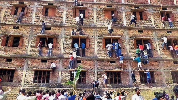 xclusive-showbiz-cheating-in-indian-exams.