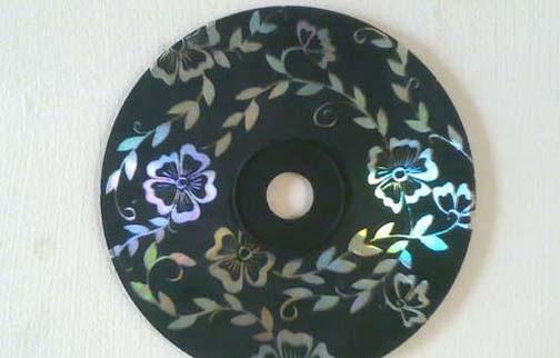 Mil artes mujer decoraci n con cd reciclados for Cd reciclados decoracion