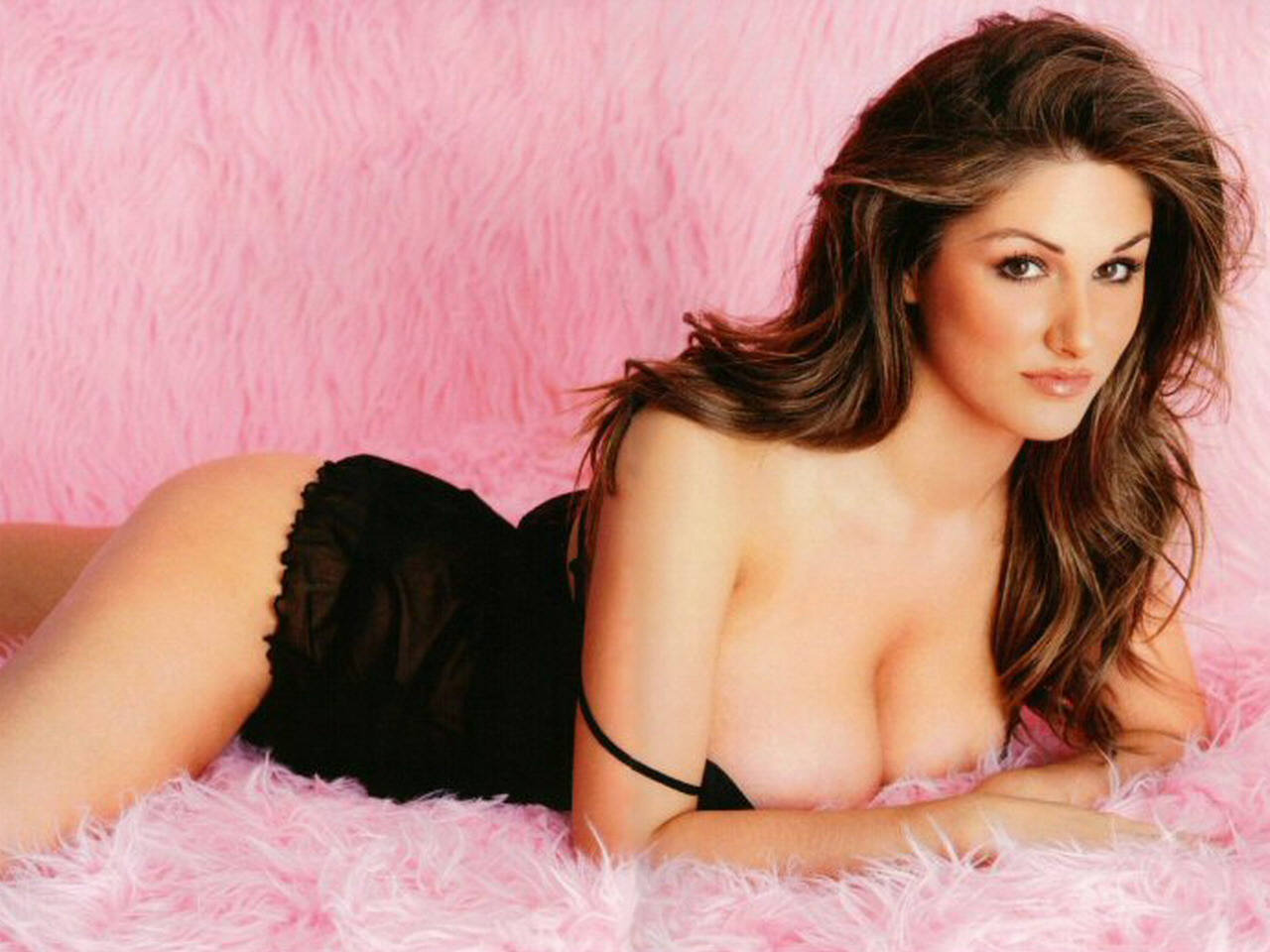 Photoshoot of Lucy Pinder7