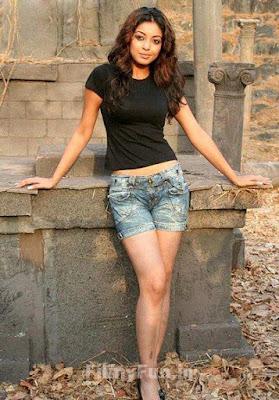 Tanushree Dutta Glamorous Wallpaper
