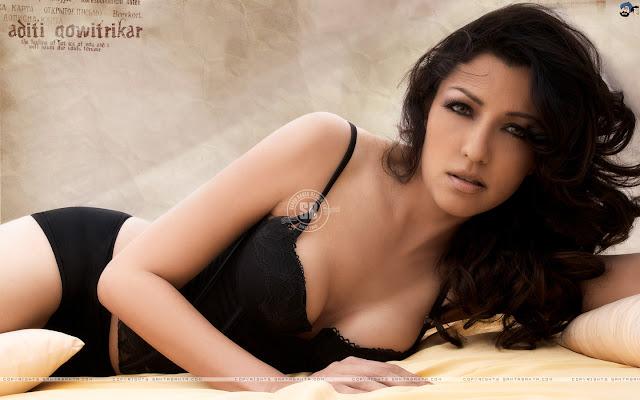 Hottest Images Of Aditi Govitrikar   Bollywood Hottest Actress