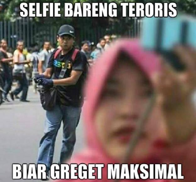 meme bom sarinah, bom sarinah, bom jakarta, pelaku bom sarinah, meme lucu bom sarinah, meme lucu, meme sarinah, meme teroris, meme bom thamrin, meme bom sarinah, meme lucu bom jakarta, meme penjual di sarniah, meme pedagang sarinah, lucu, meme lucu, meme teroris di jakarta, #kamitidaktakut, #jakartaberani, meme #kamitidaktakut, meme #jakartaberani, meme teroris serang jakarta, meme pedagang asongan, meme pedagang asongan bom sarinah, pedagang bom sarinah, jualan kopi di lokasi bom, jualan kopi di sarinah, meme penjual kopi sarinah, meme penjual kacang bom sarinah, meme jualan kacang sarinah, penjual sate sarinah, meme penjual sate bom sarinah, selfie bom sarinah, ibu selfie bom sarinah, meme ibu selfie bom sarinah