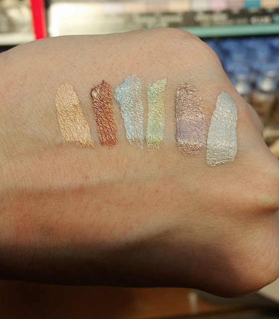 ultimate vinyl eye shadow cream Swatch
