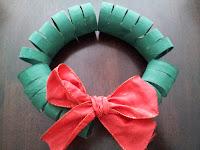Toilet roll Christmas wreath craft, Christmas craft, kids craft