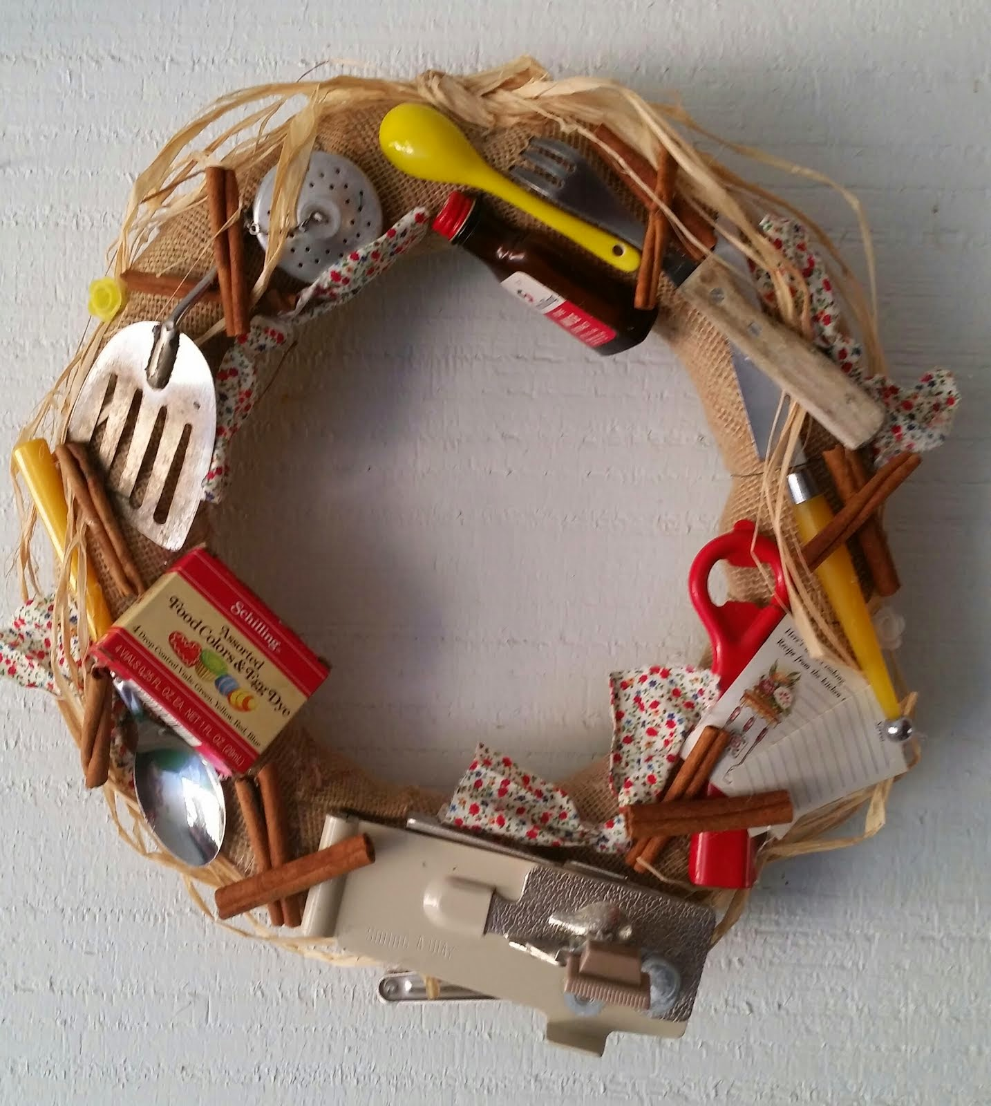 KITCHEN UTENSIL WREATH