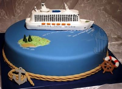 Torte mit Kreuzfahrtschiff