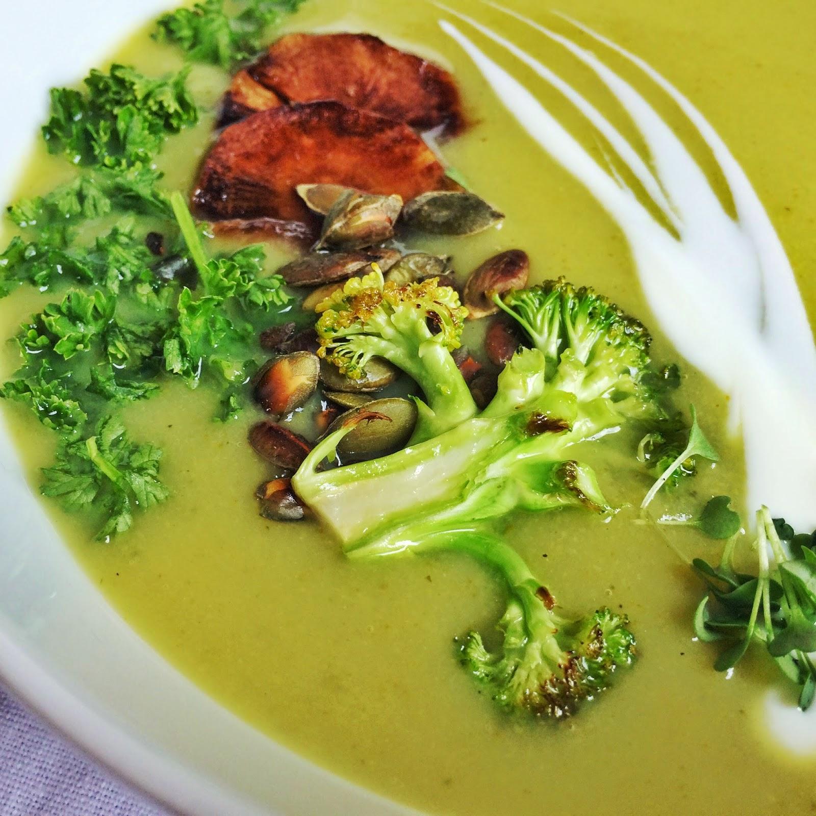zupa krem, brokuły, ptysiu mietowy