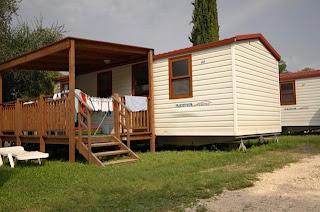 Unser Mobile Home mit Windelwäsche :)