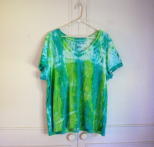 Ilovetocreate blog cool hues shibori top for Japanese way to fold shirts