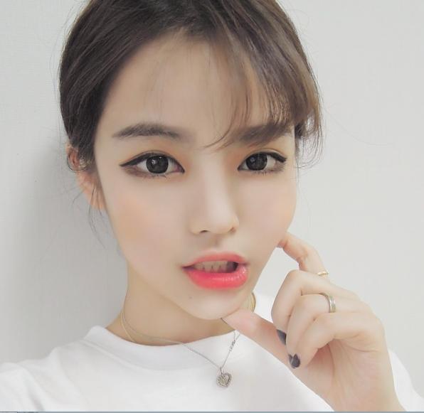 Asian fashion model with wistful eyes 5