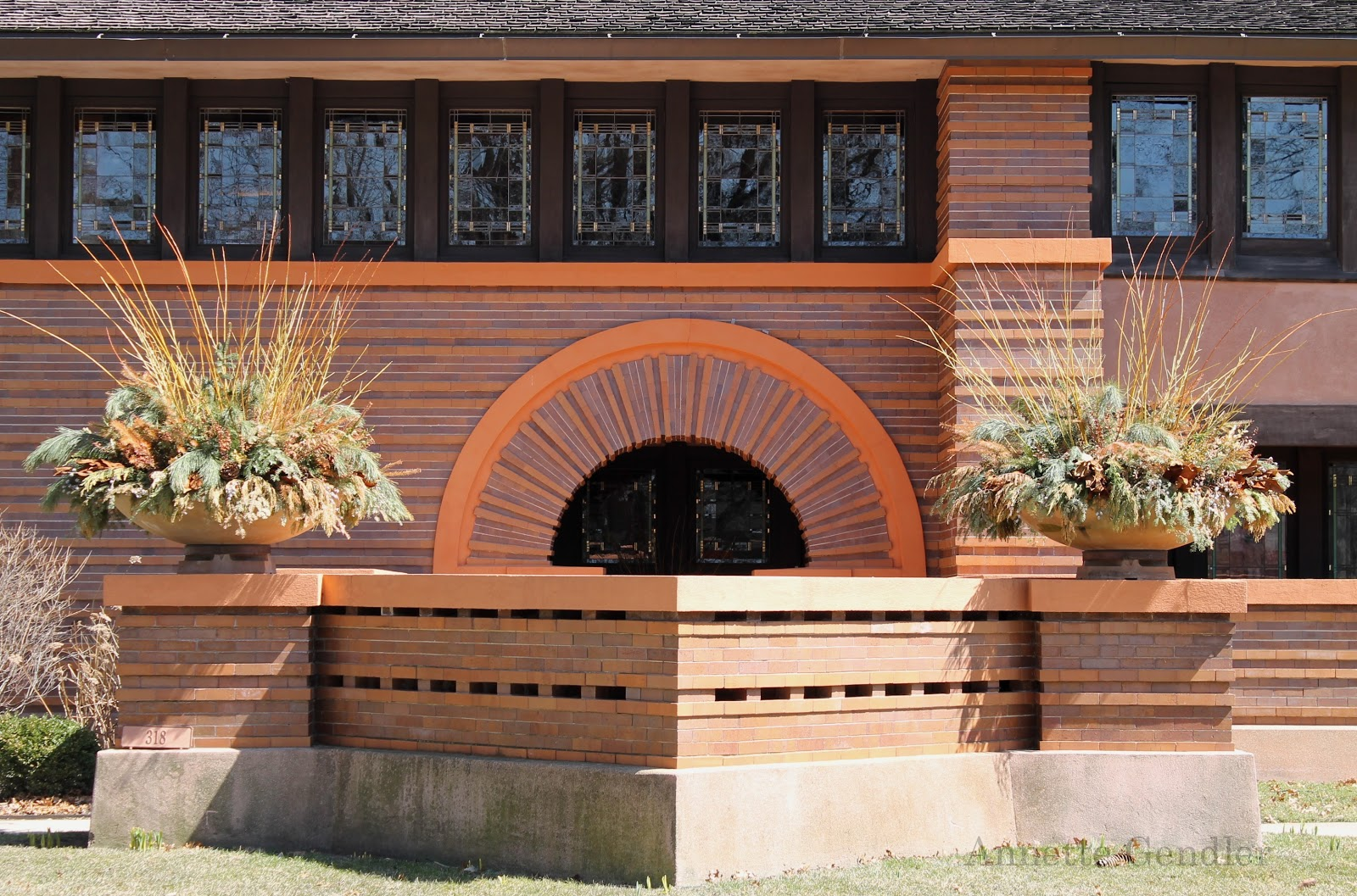 touring the frank lloyd wright historic district of oak park is the prairie style for which we know frank lloyd wright gone are the gables and the house lies low on a concrete slab without a basement