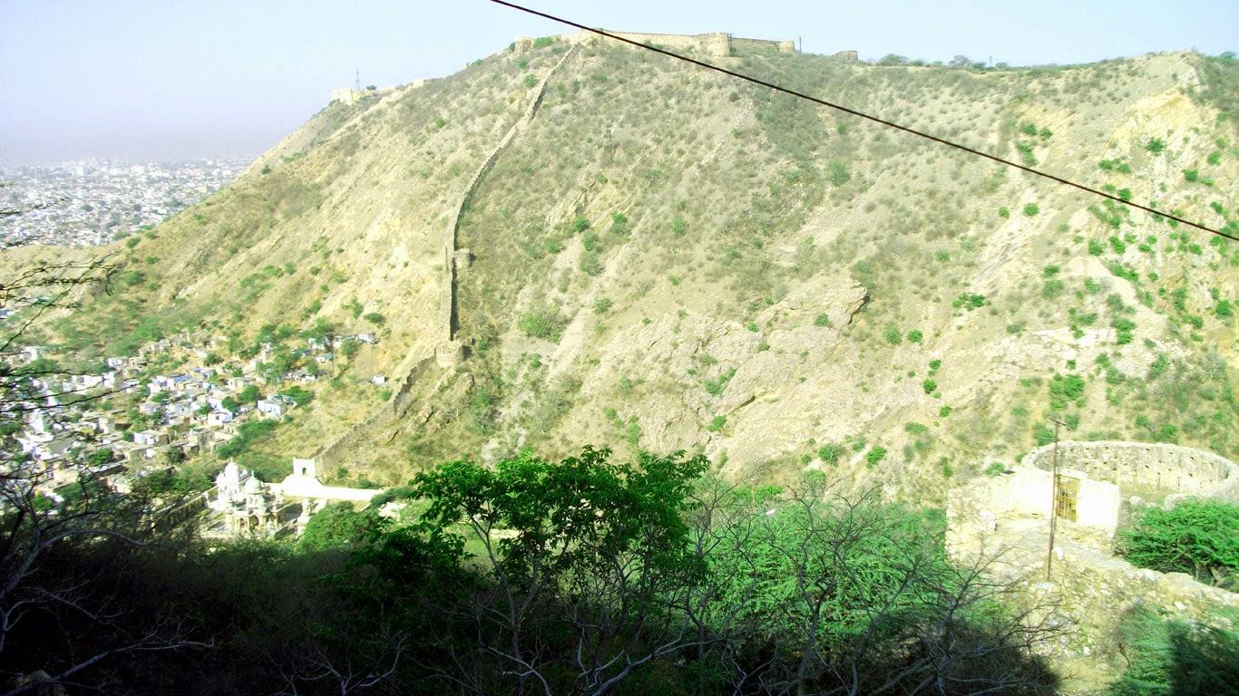 Nahargarh hill 01