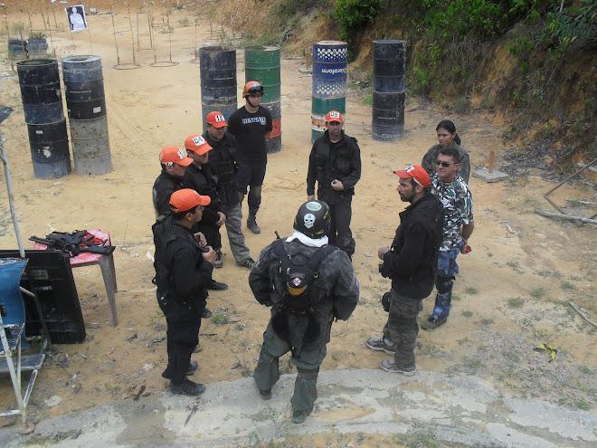 POLICE RESCUE IN ACTION (RESGATE SOB AÇÃO POLICIAL PARA 12 PROFISSIONAIS DO GRUPO FERA DA POLICIA C