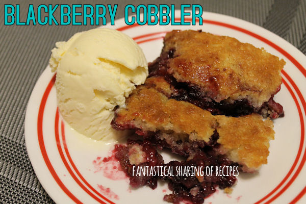 Blackberry Cobbler | A traditional cobbler that is oh so tasty! #cobbler #dessert