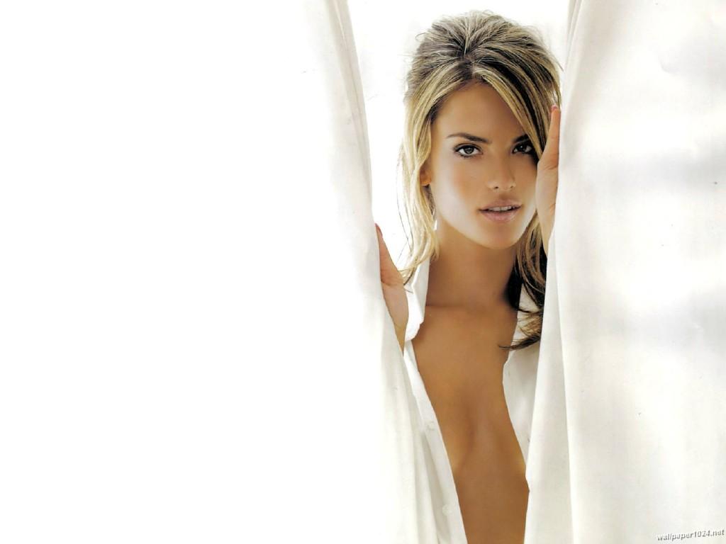 http://1.bp.blogspot.com/-ztjnOc5EIZo/TguUYtjlYVI/AAAAAAAACfY/sGqqxf8K57c/s1600/Alessandra_Ambrosio_1024X768_wallpaper_46.jpg