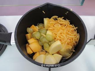 Preparazione: mettere tutta la frutta in una casseruola