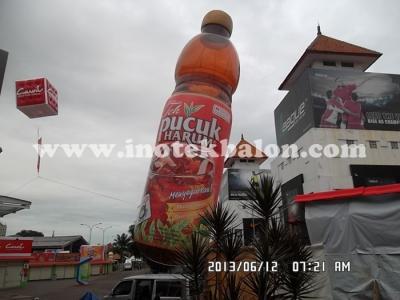 Balon udara karakter botol Teh Pucuk Harum