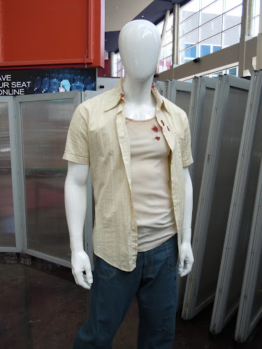 Super 8 Louis bloody movie costume