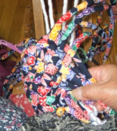 こんこんぞうり 編みこみ始め