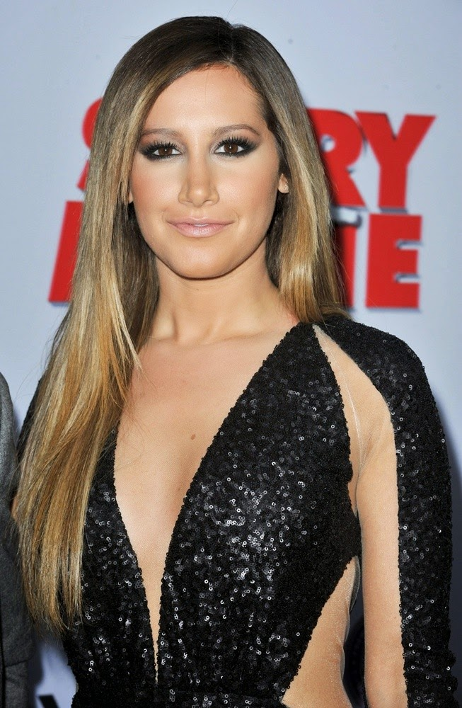 Sexy Popsinger Ashley Tisdale hot Images