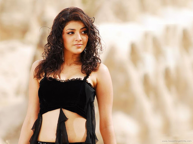 Kajal Agarwal Wallpaper in Black