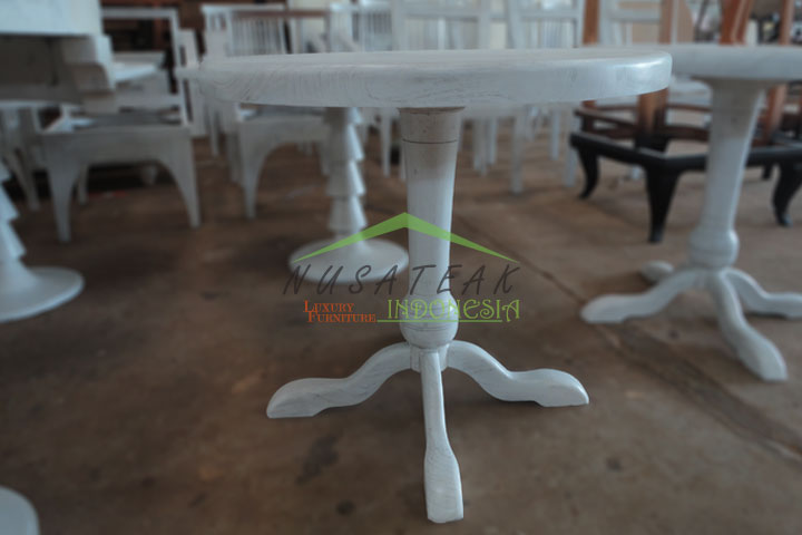 Round Tea Table in White Wash Finish