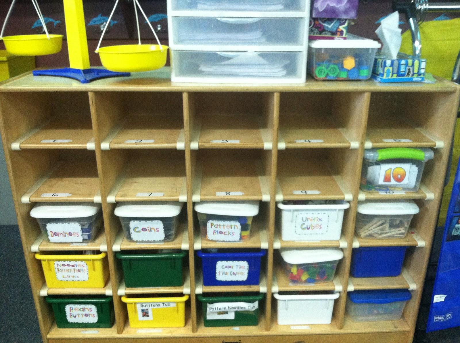 Kindergarten Lifestyle: More Math Tubs pics -- Set-Up and Rotation