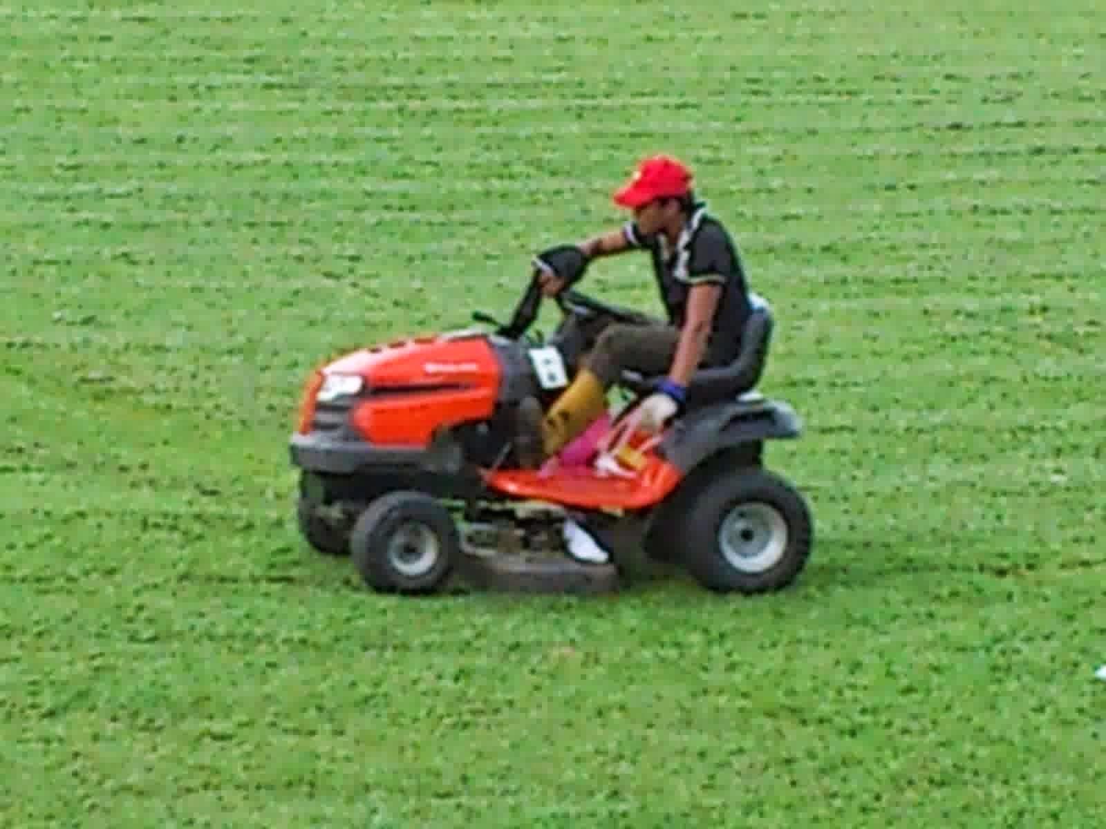 spesifikasi harga mesin pemotong rumput terbaru