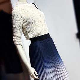 Maje Lenita guipure lace top and ombre pleated skirt.