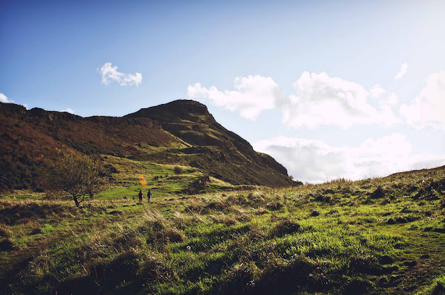 arthurs-seat-holyrood-park-edinburgh-scotland