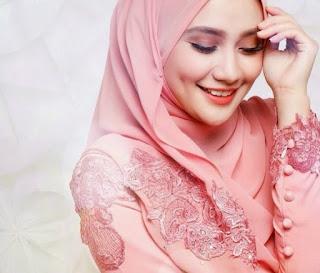 Empat Perawatan Kecantikan Terlarang bagi Muslimah