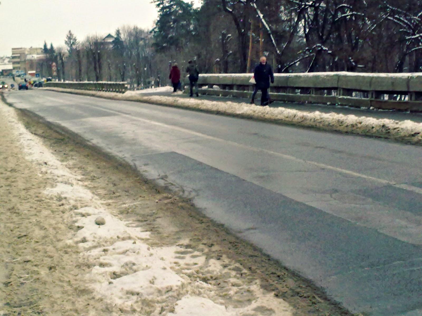hótakarítás, Sepsiszentgyörgy, Gábor Áron utca, tél,