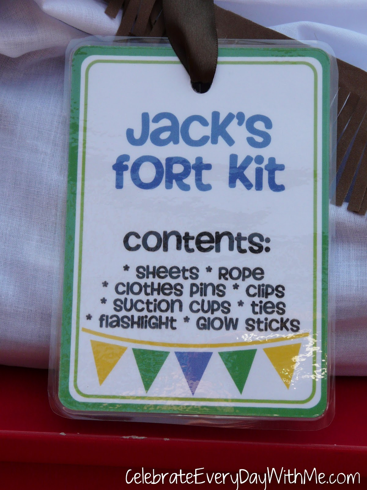 Easy Forts To Build The No Sew Fort Kit Celebrate Every Day With Me