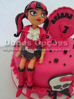 Bolo aniversário Monster High para a Ariana