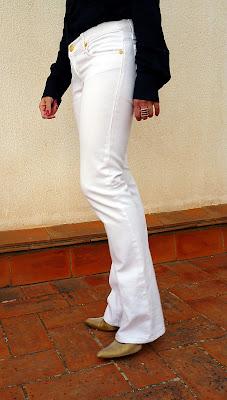 parte lateral tejanos blancos Victoria Beckham