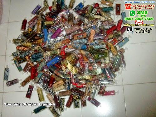 souvenir dompet lipstik Kain Batik Palu